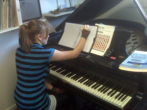 Take piano lessons in Lakewood. Take piano lessons in Denver.